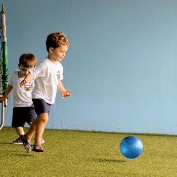Futebol na Aula de Educação Física - Bi-Bilíngue